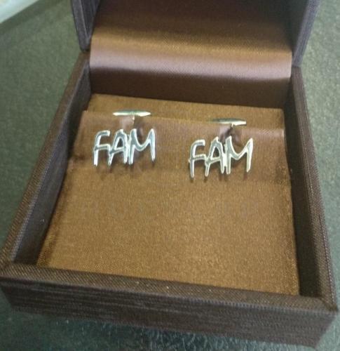 gemelos de 3 iniciales en plata de ley